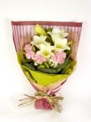Hoa ly và cẩm chướng
